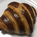 99305927 - チョコクリームクロワッサン324円