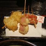 小平うどん - 串天3種(たまねぎ・うずら・ウインナー)
