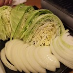 馬肉酒場 馬鹿うま精肉店 - 馬焼肉食べ放題の野菜盛り