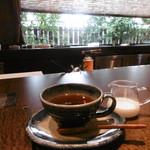 遊心美膳 高木 - カウンター席で食後の紅茶