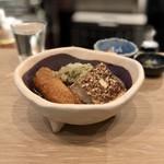 立ち呑み 日本酒スタンド - おまかせおでん三種(焼き豆腐、ゴボ天、大根のとろろ昆布乗せ)