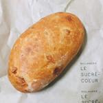 99318072 - トマトのパン