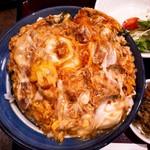 華元 - 新鮮な華味鶏から作られる親子丼は鶏肉の旨味と卵と出汁にマッチしておりました。