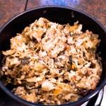 華元 - 【そばの実入り漬物】 乳酸発酵した漬物にそばの実を入れた、華元特製のお漬物。