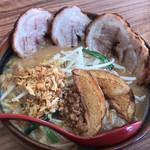 芝山商店 - 料理写真:味噌漬け炙りチャーシュー麺