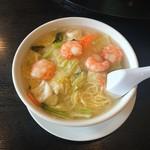 広来飯店 - 料理写真:蝦仁湯麺(エビそば)864円