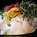 99324619 - 馬に魚に丼 カンパチ美味しい!