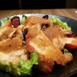 鶏すき焼き はら志の - 野菜のすりおろしのソースが絡まる