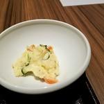 鶏すき焼き はら志の - 小鉢のポテトサラダ