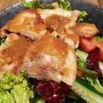 鶏すき焼き はら志の - 鶏もも生姜焼きはもも肉の塊ではない