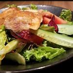 鶏すき焼き はら志の - 肉の下には野菜がどっさり