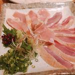 99324924 - 赤鶏のたたき  宮崎産  必食です!
