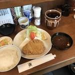99326281 - ◆ 特ロースかつ  ¥1850-                           ◆セット(御飯、赤出汁、お漬物)¥450-