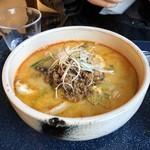 源喜屋 - 豆乳担々麺:白金豚の挽肉が美味しい。期間限定