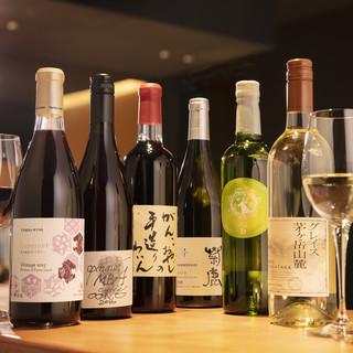 国産のワインやジン、オリジナルのサワーなどとの相性も◎です!