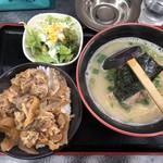 博多どんたく - 料理写真:牛丼定食1000円