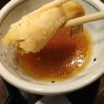天源・天ぷら専門店 - 残りは天つゆ       やっぱり塩より天つゆかな