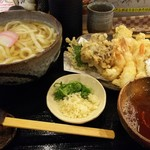 亀楽屋 - 天ぷらうどん