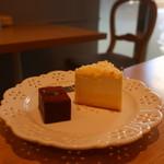 99339832 - ケーキプレート(テリーヌショコラ、マスカルポーネ&ベイクドチーズ)