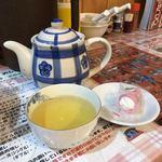 びいどろ - 食後のお菓子とジャスミン茶