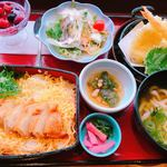 本家さぬきや - 料理写真:鶏重と天ぷらうどんのセット