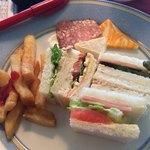 ダイアモンドターン - サンドイッチ/ポテトフライ/チーズなど