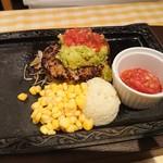 カタマリ肉ステーキ&サラダバー にくスタ - アボカドハンバーグ