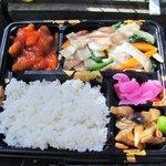 Pekinhanten - 八宝菜弁当中