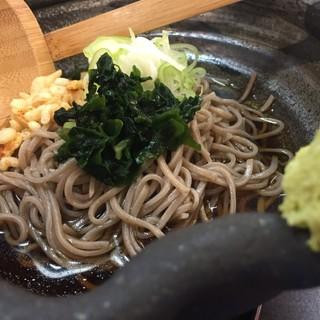 サラリーマンの胃袋をバックアップ♡名物◎山形蕎麦&牛丼!