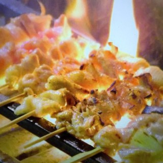 地元の常連さんにも人気◆備長炭で絶妙な焼き加減の串焼き!