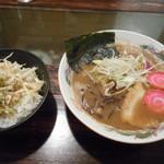 トリイザカヤ 麺 コヤ麺 - にぼし らぁ麺と蒸し鶏ごはん 1000円