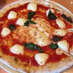 マリノ - マルゲリータピザです。チーズが美味しい。
