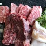 焼肉レストランよつば亭 - カルビ、ハラミ、ホルモンの3種盛りです(2018.12.31)