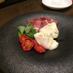 モメンティ・フェリチ - H.30.12.13.夜 水牛モッツァレラとトマトのカプレーゼ