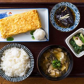 伝七直伝村の玉子焼き定食