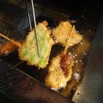 居酒屋YOU家 - 料理写真:ひとつひとつ丁寧に揚げております!