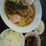 上田屋 - 2011年10月  ラーメンセットB  880円