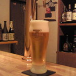 Bar Alchemist - ビールの注ぎ方がとても素晴らしい!格別です。