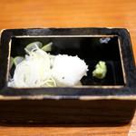 沙伽羅 - 三色もり 1300円 の刻みネギ、山葵、大根おろし