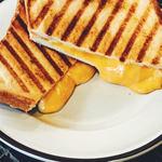ロッジポール - グリルドチーズサンド