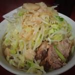 ラーメン二郎 - 料理写真:ラーメン750円+野菜アブラ。