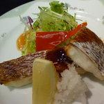 太閤本店 - 日替わりランチのメイン 鯛の塩焼き