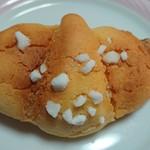 駿河ベーカリー&カフェ - メロンクロワッサン¥230+税