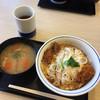 かつや - 料理写真:かつ丼(梅)490円+とん汁