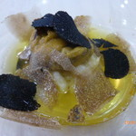 ウニ専門 unico-co - 白子のフリットにマルケ産白トリュフと神奈川県産黒トリュフにサフランのスープ