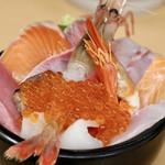 海鮮処 魚屋の台所 - 海鮮丼並