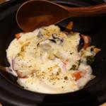 ほいっぽ - 茄子とトマトの白味噌チーズがけ