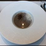 99422596 - 丹波黒豆のスープ  黒胡麻ときな粉のエスプーマ