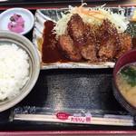 名古屋名物 みそかつ 矢場とん - 料理写真:ヒレかつ定食