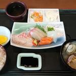 ドライブインみちしお - お刺身定食¥1300-